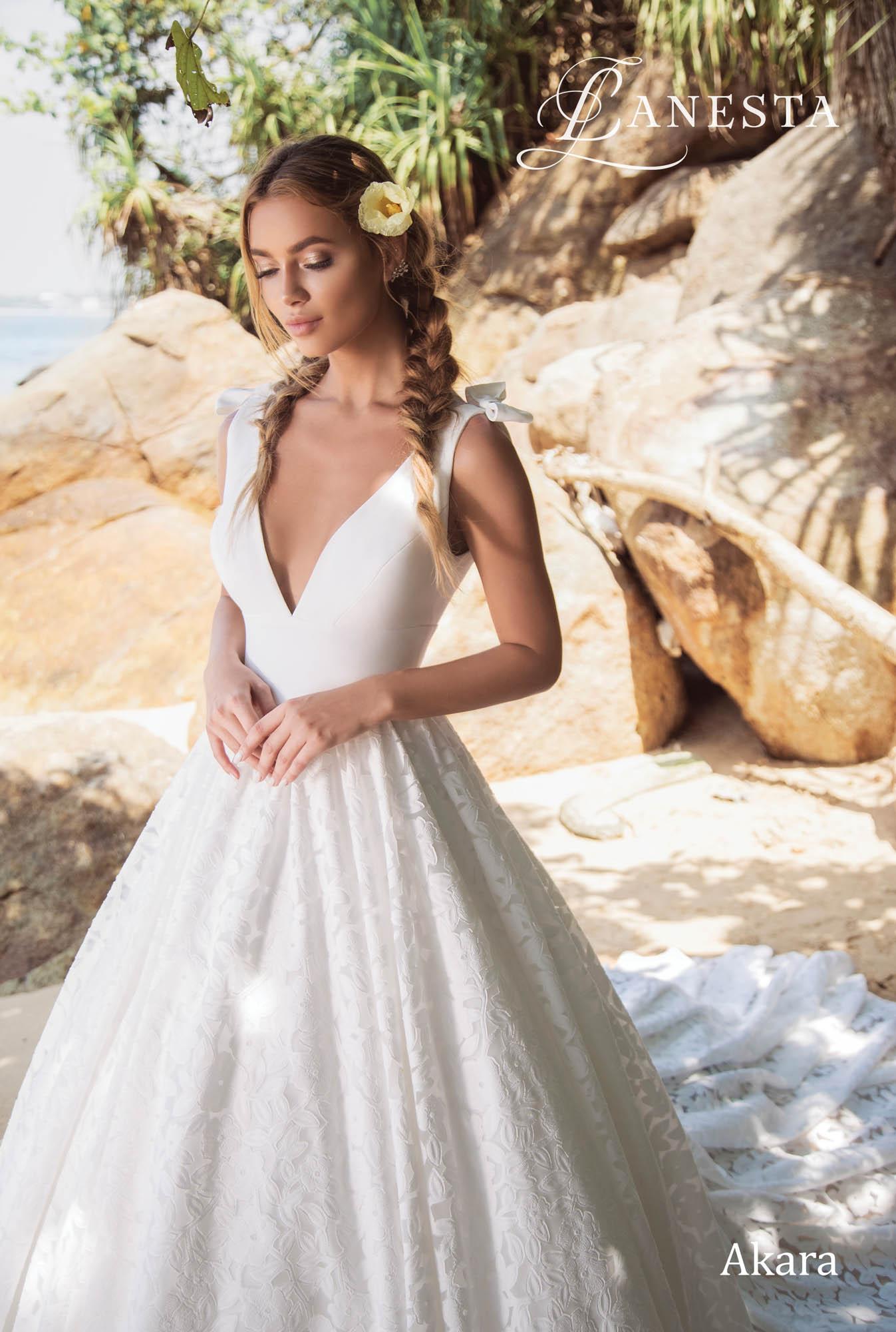 Весiльна сукня Akara