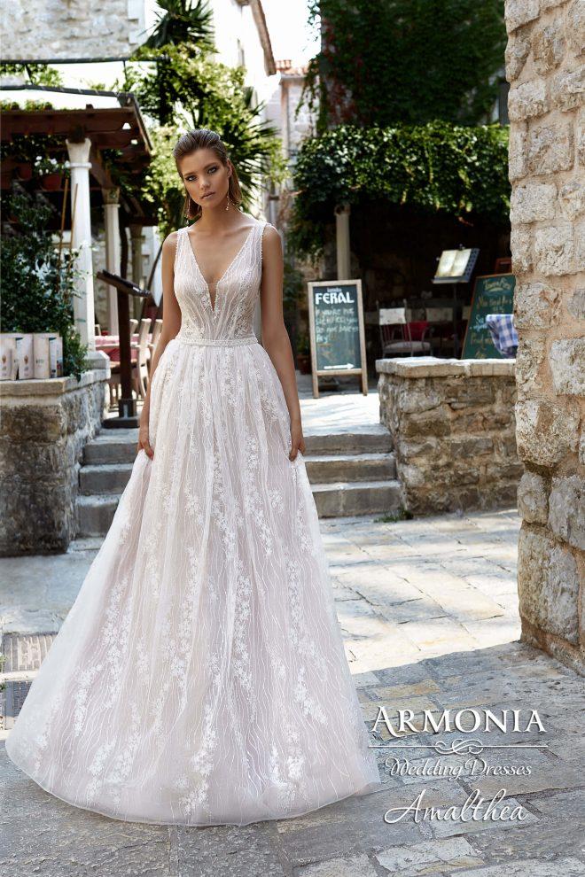 Восхитительное свадебное платье А-силуэта Amalthea
