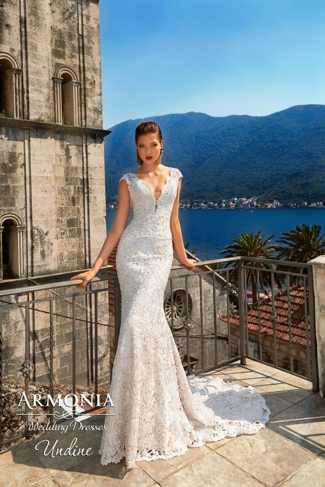 Свадебное платье Undine силуэта годе